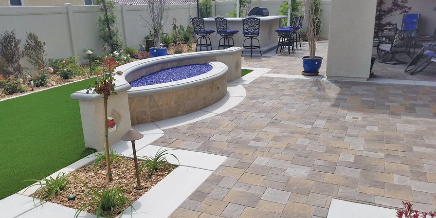 Water Wise Yard Design & Décor Cover